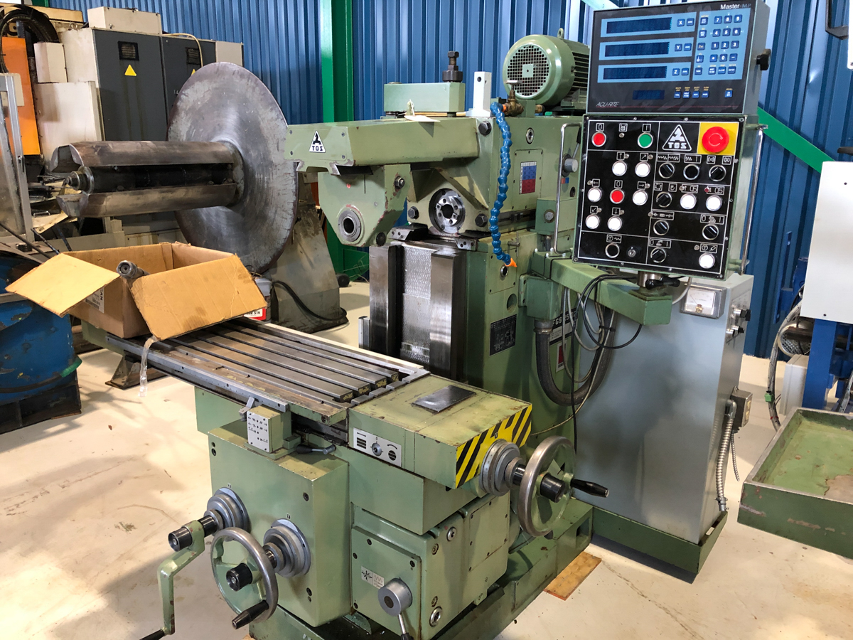 """TOS MILLING (HORZ) MOD. FGS25.32, 15"""" X 39"""" TABLE, S/N: 251300199 - Image 3 of 5"""