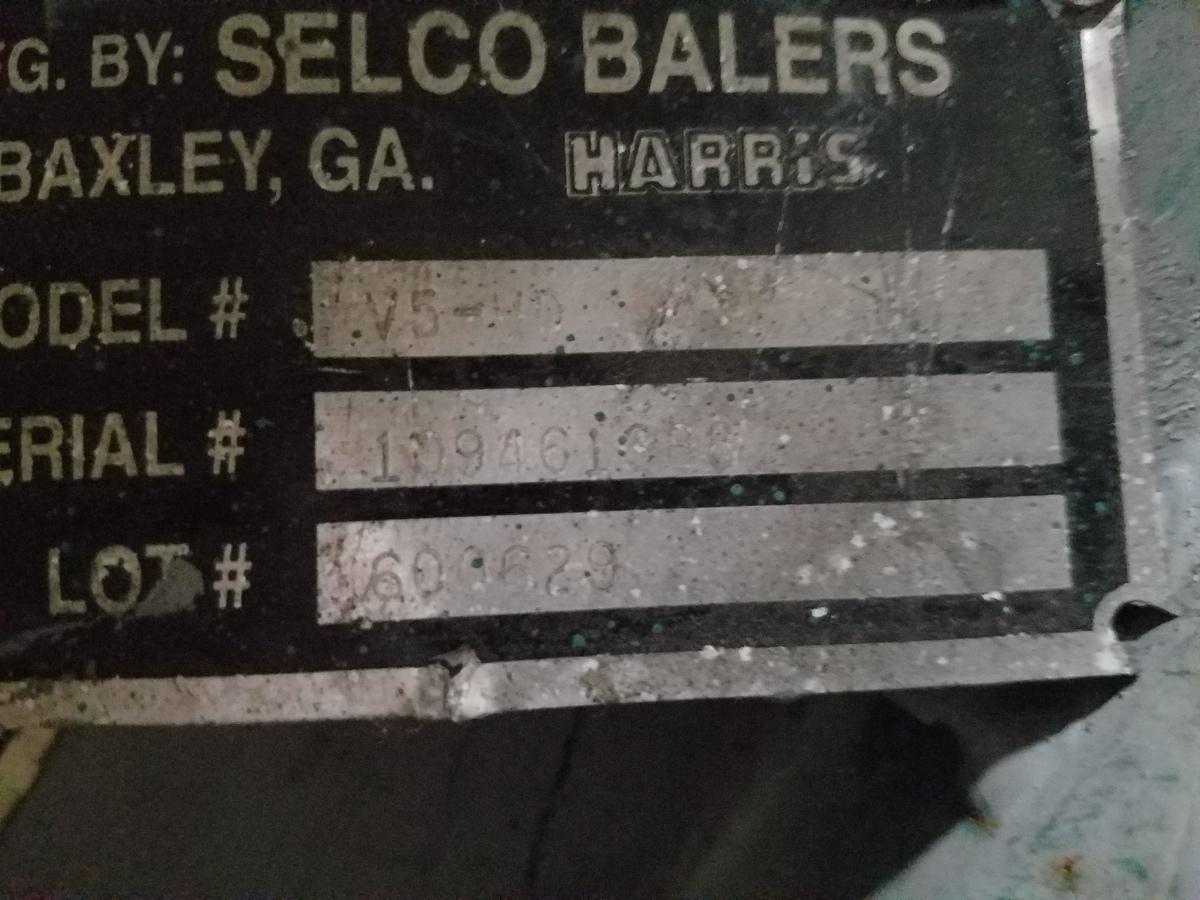 Selco V5-HD Vertical Baler s/n 109461388   Rig Fee: $1200 - Image 2 of 2