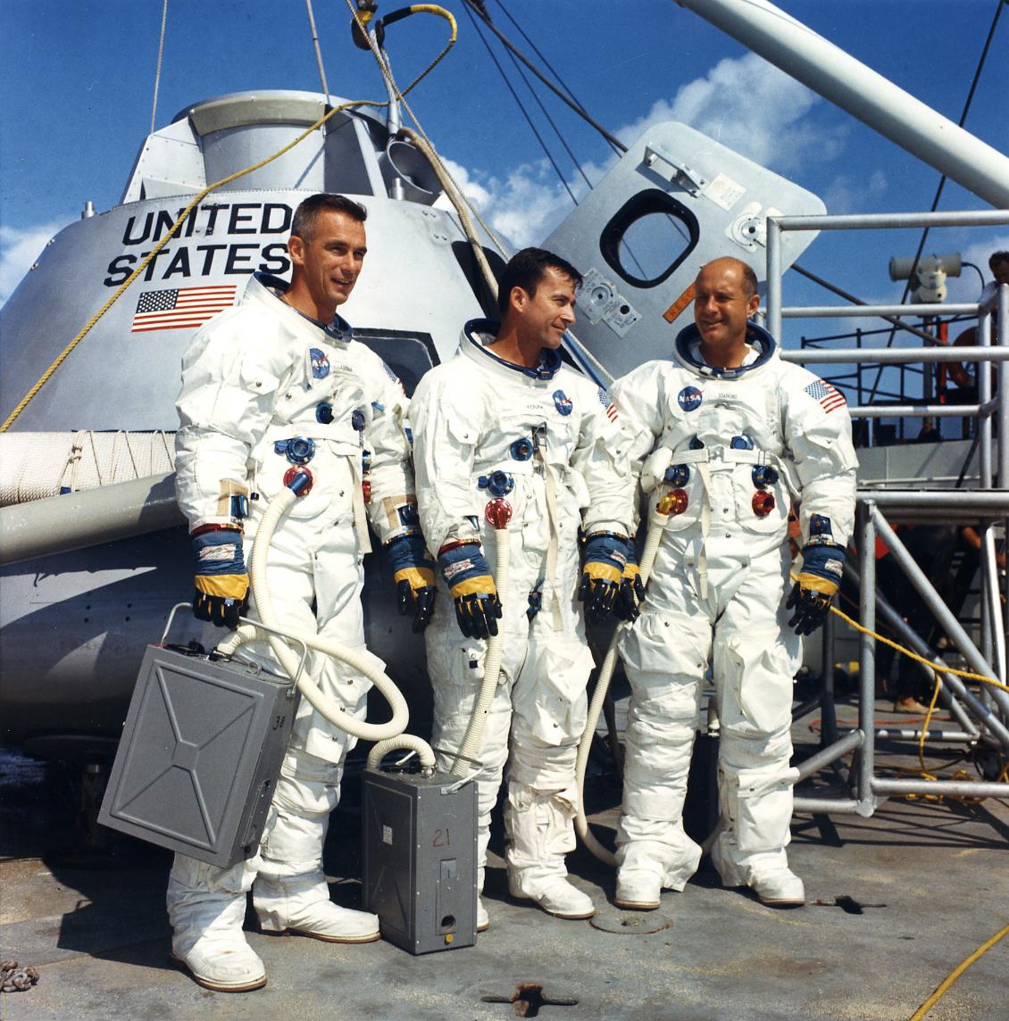 Lot 29 - L'équipage d'Apollo 10 à l'entraînement. Novembre 1968.Tirage chromogénique circa [...]