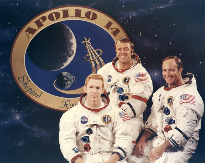Lot 57 - NASA : Mission Apollo 14. L'équipage de la mission Apollo 14. 1971. Le commandant [...]