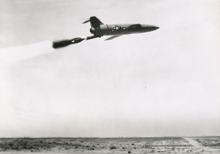 Lot 10 - NASA : Lancement parfait d'un missile SNARK le 21 septembre 1951. Le missile Snark [...]