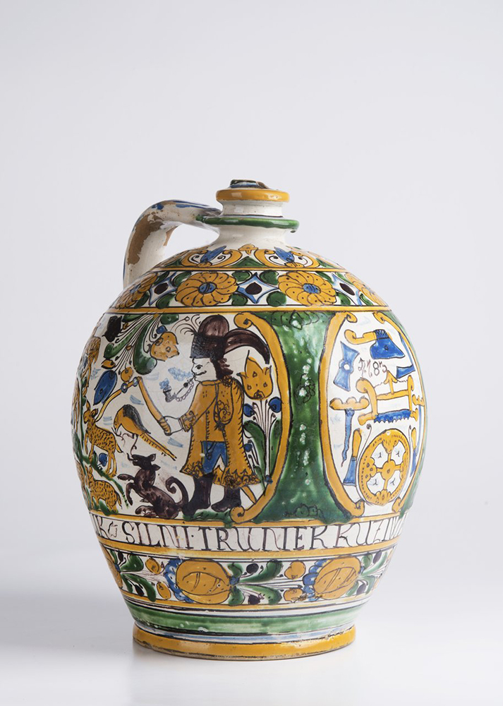A POST-HABAN JUG OF THE GUILD OF WHEELWRIGHTS 32 cm A jug with a single handle at the top and narrow - Image 5 of 6
