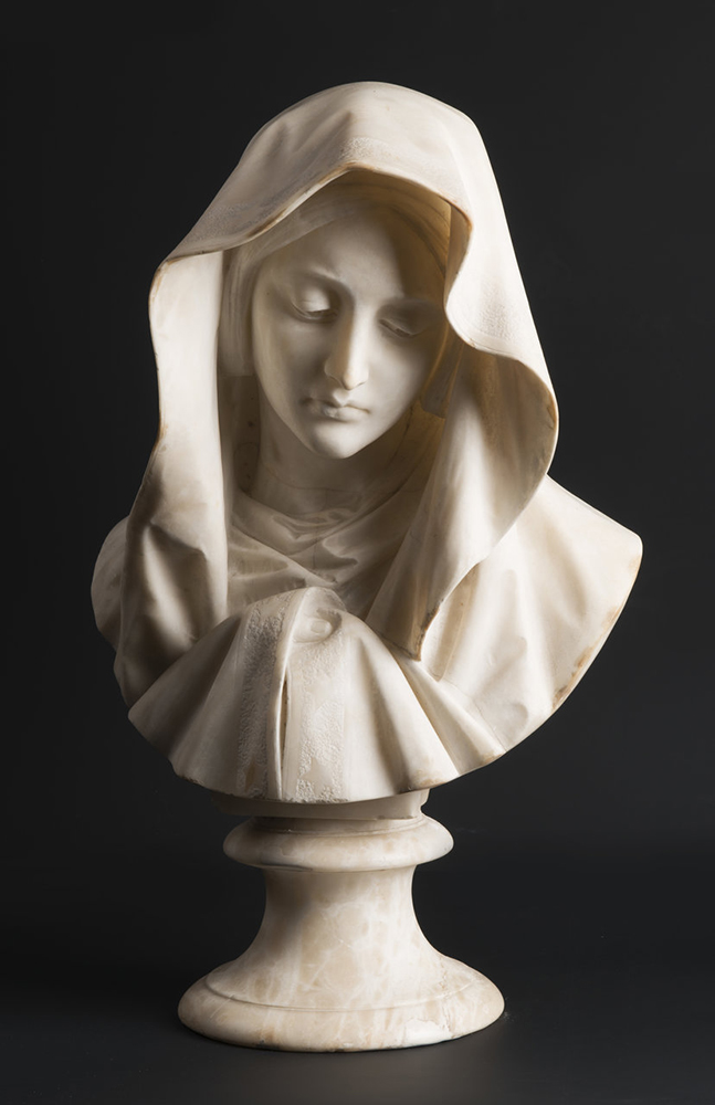 UNKNOWN ITALIAN MASTER: YOUNG LADY WITH A VEIL Around 1850; Italy 61 cm An alabaster bust of a young - Image 2 of 5