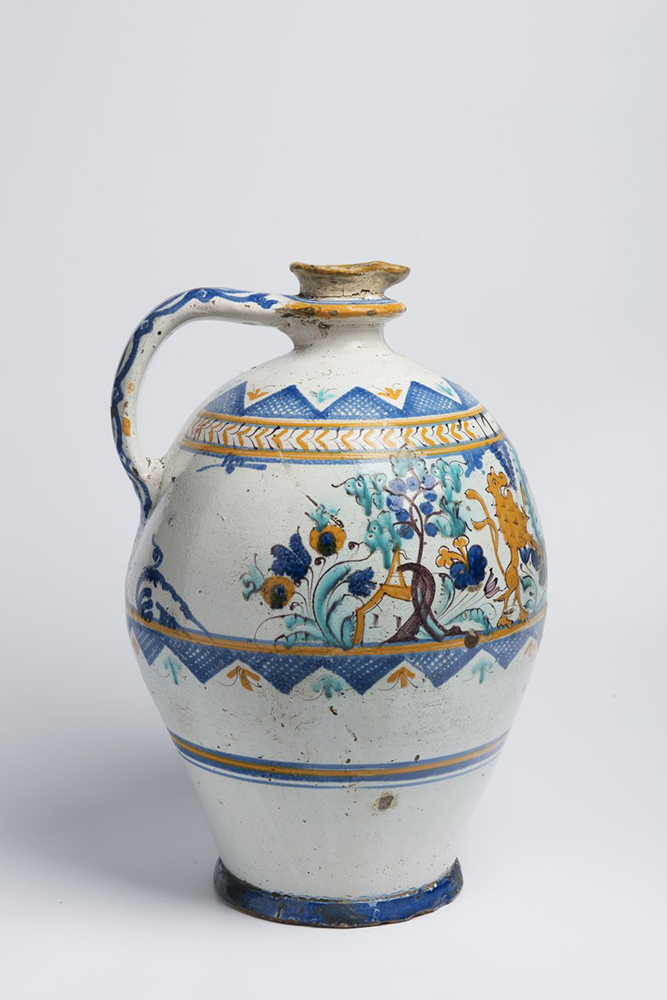 A POST-HABAN JUG OF THE GUILD OF COOPERS 45 cm Faïence, white glaze, painted in grand feu colors. A - Image 5 of 5