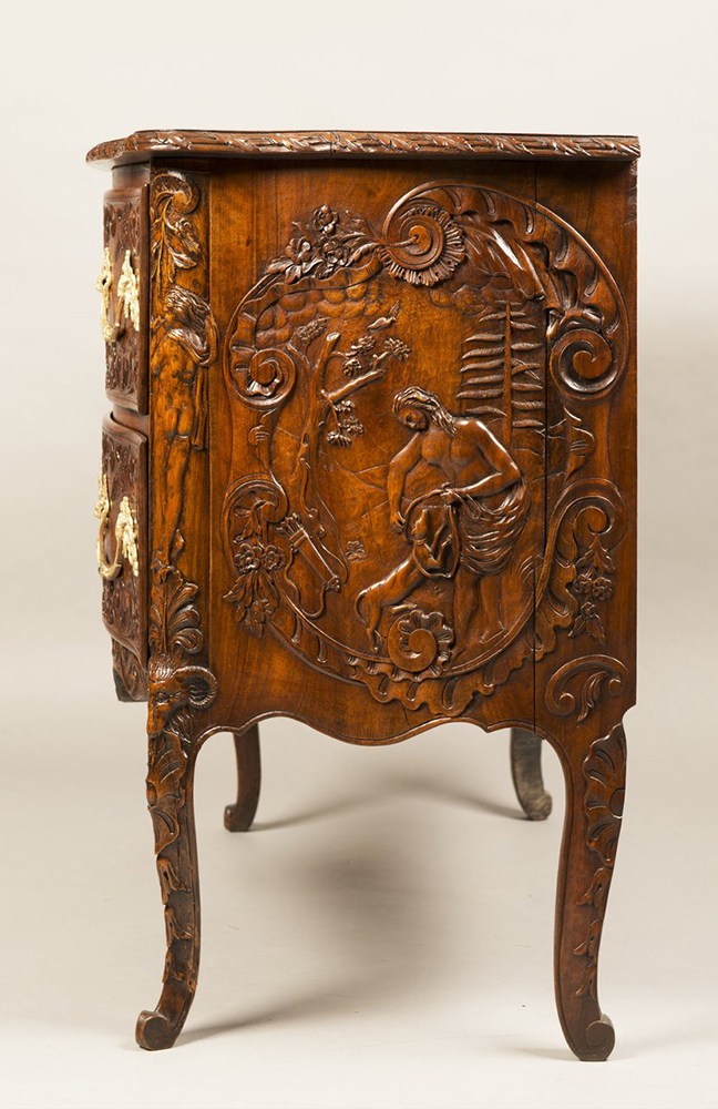 A ROCOCO COMMODE Ca. 1740; Germany. Aachen 81x95x53 cm Walnut, gilt bronze. Richly carved and - Image 5 of 5