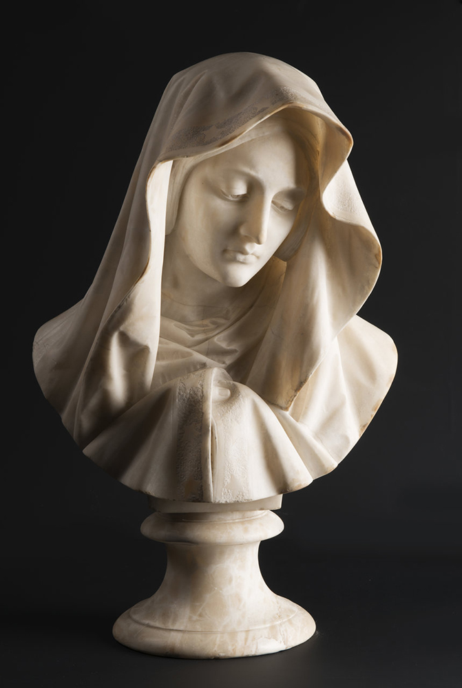 UNKNOWN ITALIAN MASTER: YOUNG LADY WITH A VEIL Around 1850; Italy 61 cm An alabaster bust of a young
