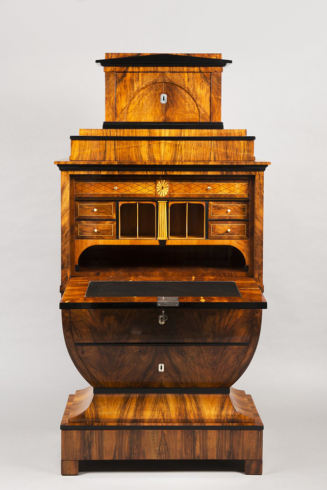 A BIEDERMEIER SECRETARY DESK Around 1825; Austria-Hungary, Vienna 167x79,5x44 cm Walnut, maple, - Image 2 of 6