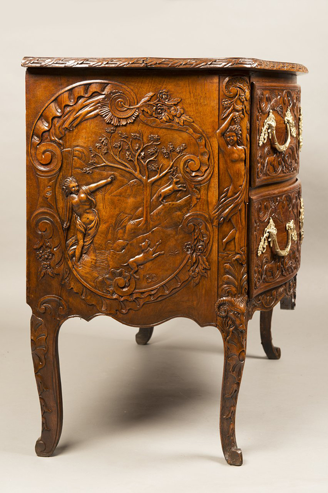 A ROCOCO COMMODE Ca. 1740; Germany. Aachen 81x95x53 cm Walnut, gilt bronze. Richly carved and - Image 4 of 5