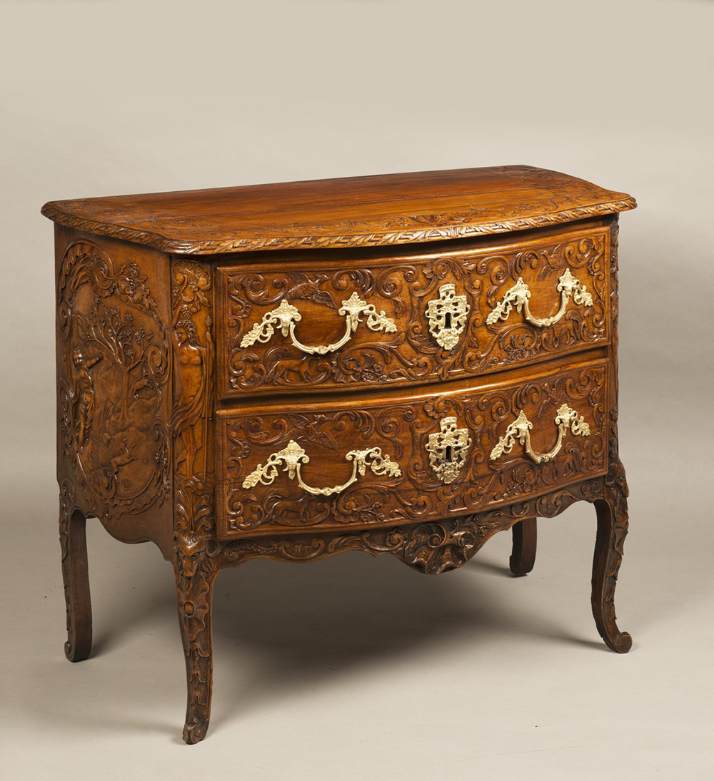 A ROCOCO COMMODE Ca. 1740; Germany. Aachen 81x95x53 cm Walnut, gilt bronze. Richly carved and - Image 2 of 5