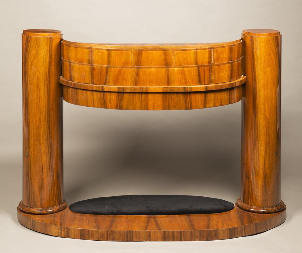 JOSEF DANHAUSER (1805-1845): A LADY'S DESK 1830 99x139x61 cm Walnut, oak. An oval Biedermeier - Image 5 of 6