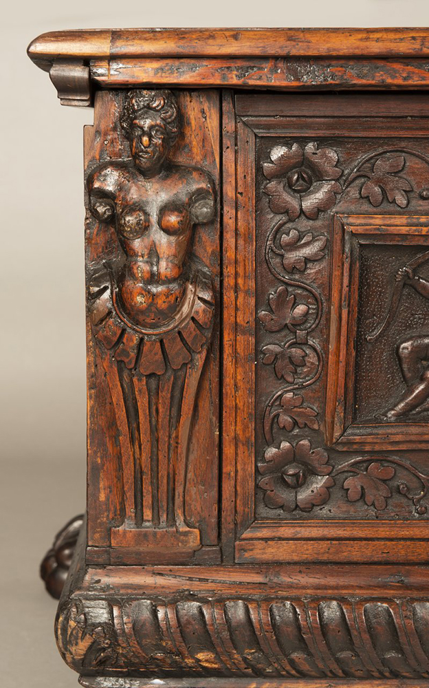 A MANNERIST CHEST Early 17th century; Northern Italy 57x168x52 cm Walnut. A richly carved - Image 4 of 4