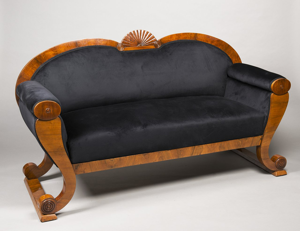 A SUITE OF BIEDERMEIER PERIOD FURNITURE 1830; Bohemia, Prague Walnut, new upholstery. Sofa: 102 x - Image 6 of 6