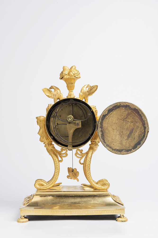 AN EMPIRE TABLE CLOCK 1825; Austria-Hungary, Vienna 39x17x11 cm Gilt bronze. The fire-gilded - Image 2 of 2