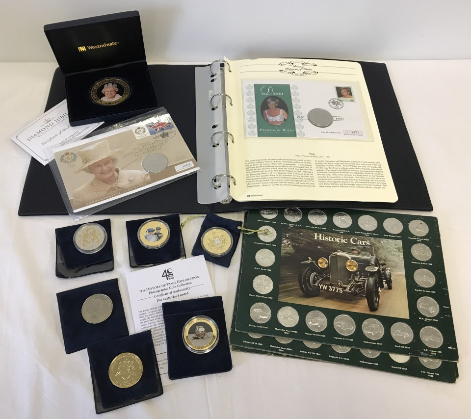 Lot 25 - A collection of assorted commemorative coins, coin covers and medals.