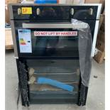 STOVES BI902MFCT RRP £520 CONDITION REPORT: UNUSED. TRANSPORT DAMAGE. BOTTOM DOOR GLASS SMASHED.