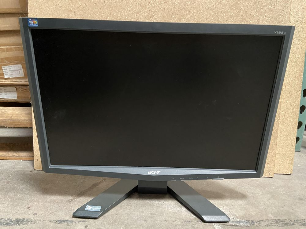 Acer x193w Monitor