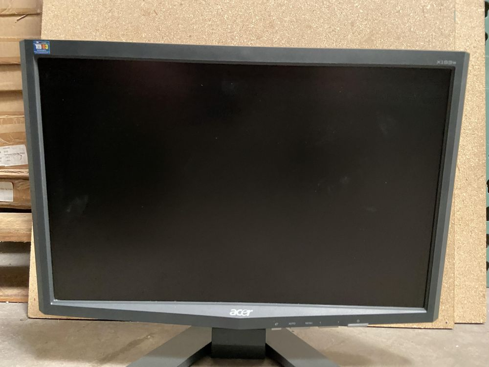 Acer x193w Monitor - Image 2 of 4