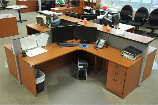 Hon 4 Person Work Station Office Furniture Fixtures Equipment