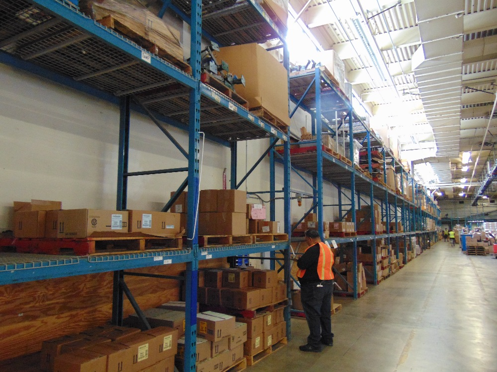Lot 32 - Sections of Pallet Racking w/ Grading