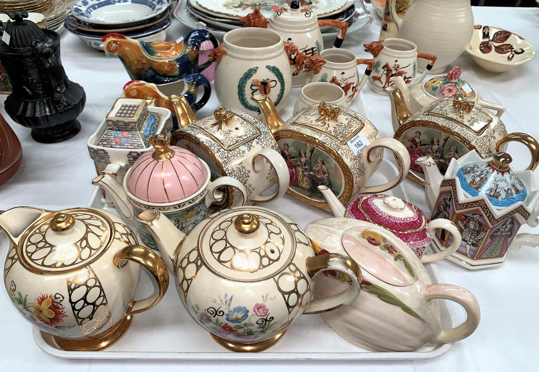 Lot 162 - Three Sadler teapots; other decorative/novelty teapots
