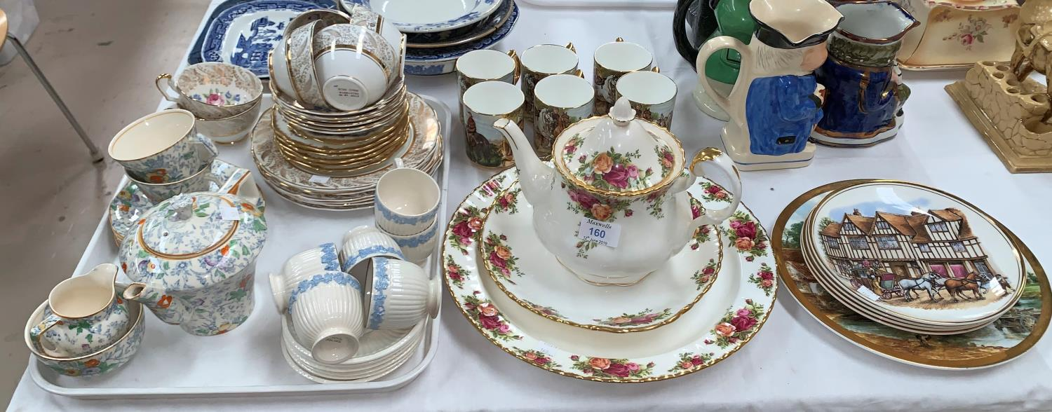 """Lot 160 - A Royal Albert """"Old Country Roses"""" teapot and 2 large plates; an 18 piece gilt and floral part tea"""