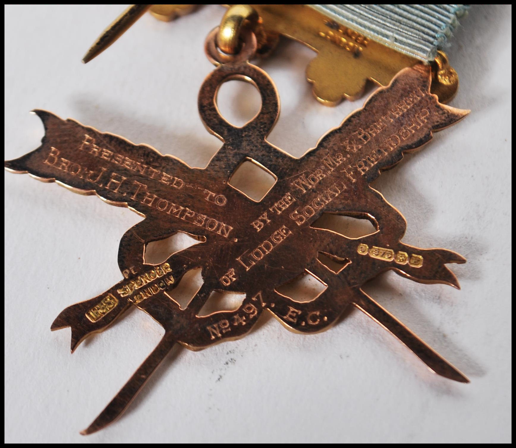 A hallmarked 9ct gold Masonic medal of Social Friendship, stamped to verso Presented to Bro: J.H. - Image 6 of 7