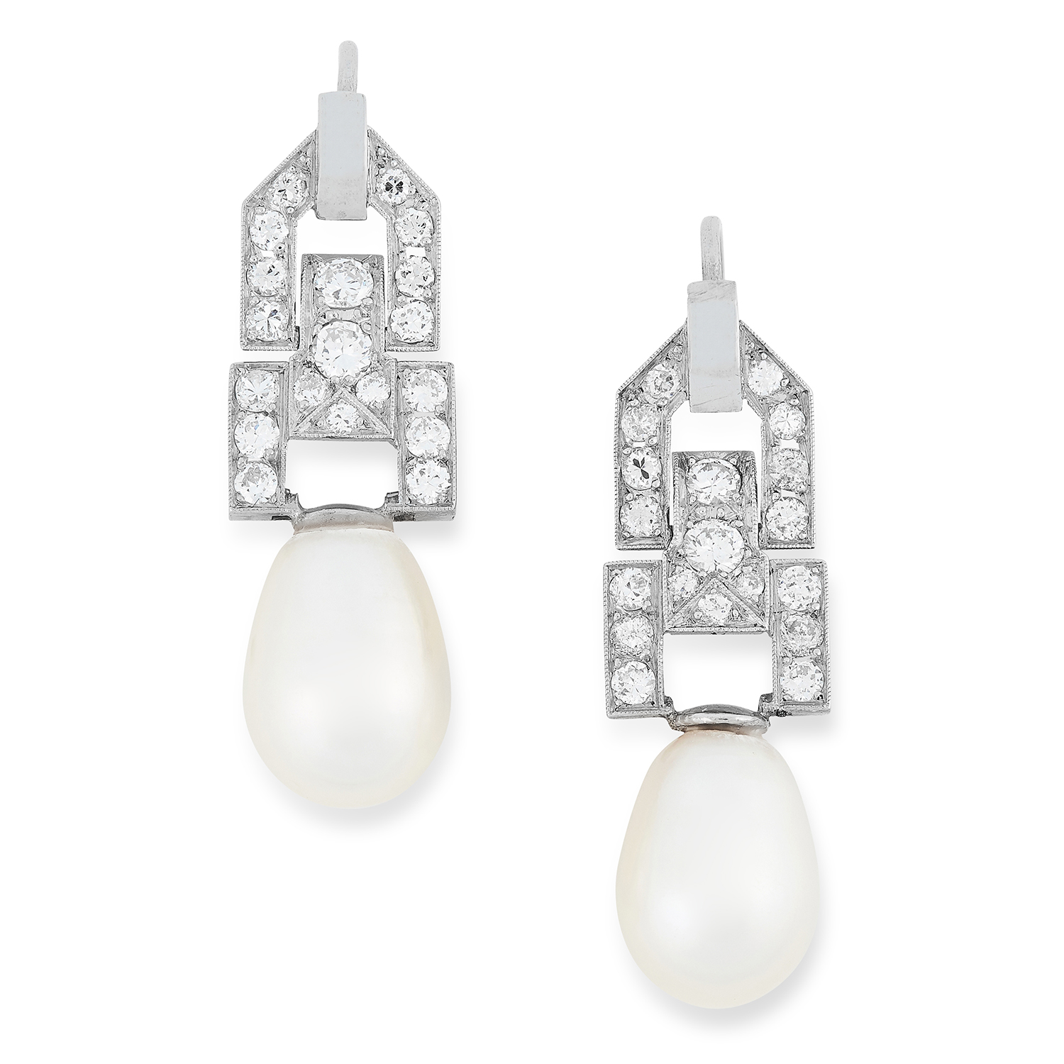 Los 2 - A PAIR OF PEARL AND DIAMOND EARRINGS the articulated body of each set with round cut diamonds