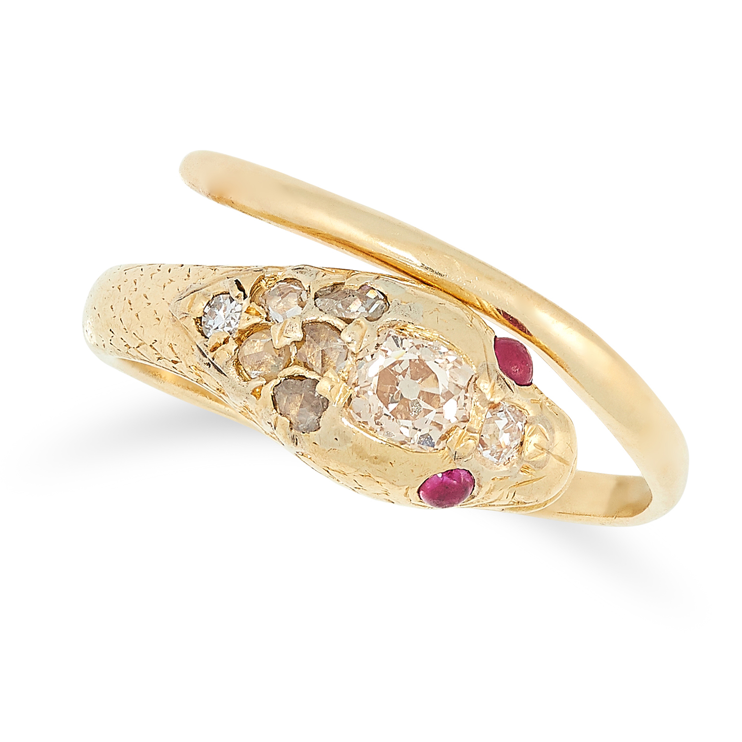 Los 36 - AN ANTIQUE RUBY AND DIAMOND SNAKE RING set with old cut diamonds and rubies, size O / 7, 4.1g.