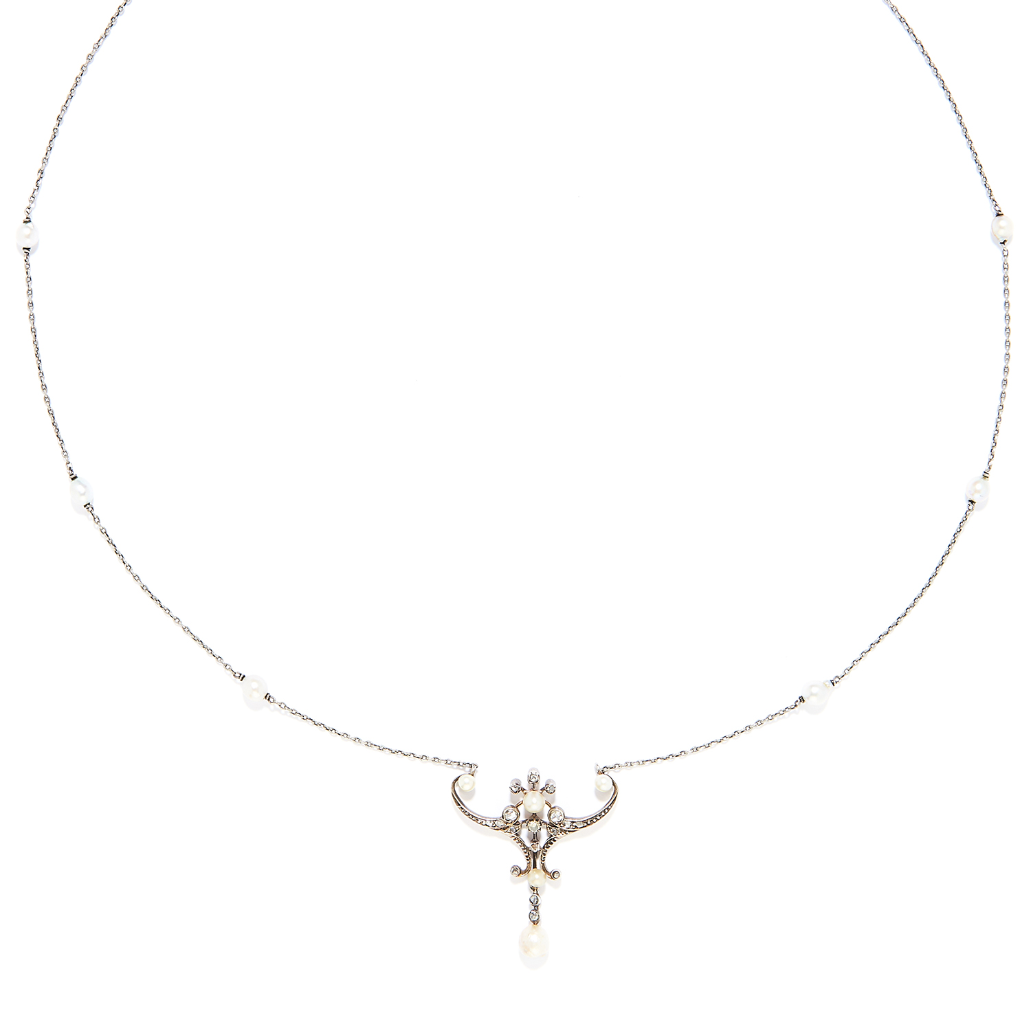Los 38 - ANTIQUE PEARL AND DIAMOND PENDANT in gold or platinum, comprising of a rose cut diamond and pearl