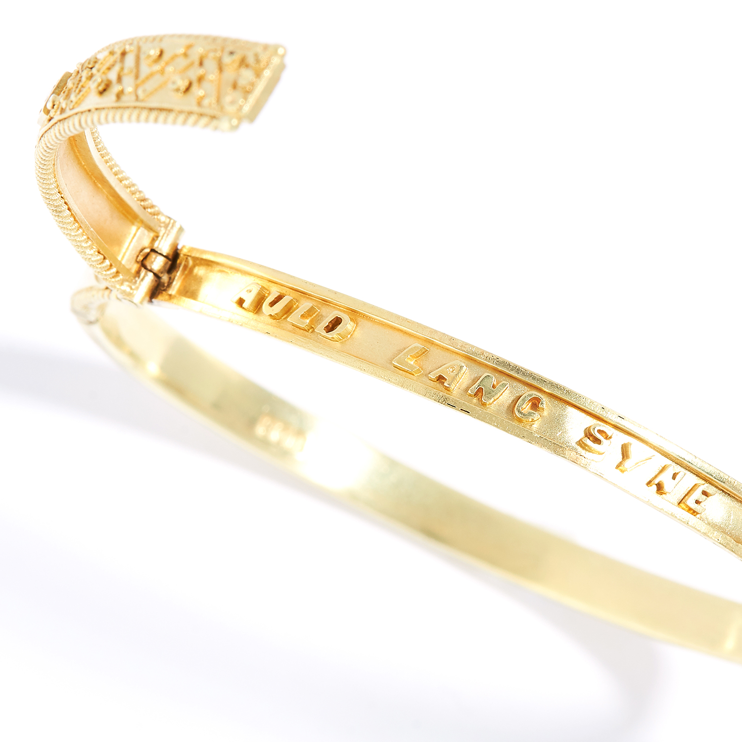 Los 4 - ANTIQUE DIAMOND BANGLE in yellow gold, set with a round cut diamond in gold filigree design, opening