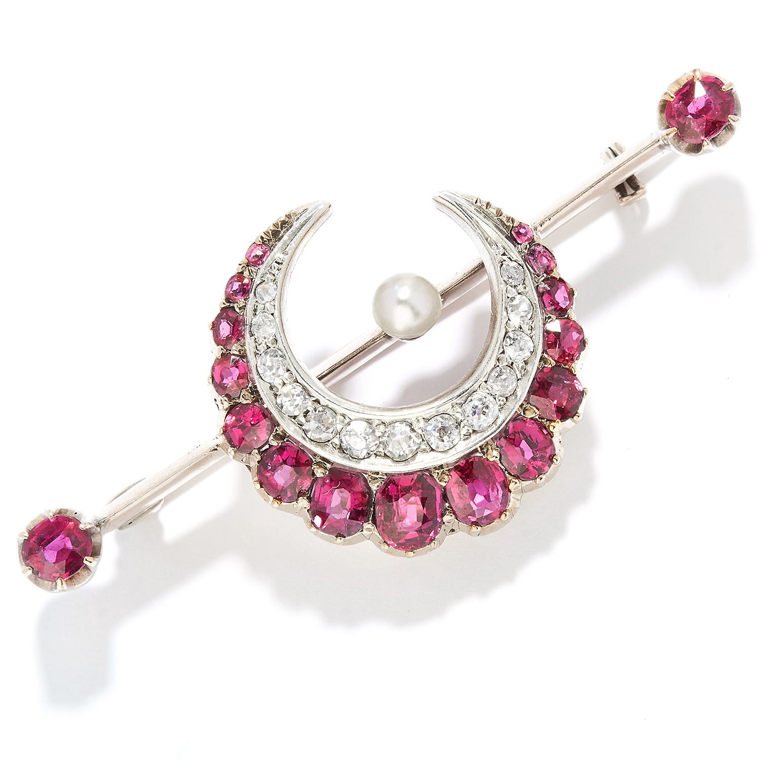 Los 47 - ANTIQUE RUBY AND DIAMOND BROOCH in yellow gold, designed as a crescent moon set