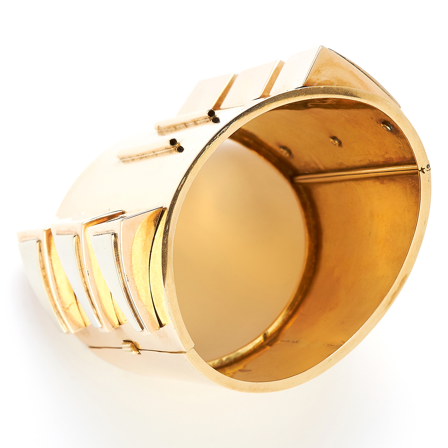 Los 51 - GOLD CUFF, FRENCH in high carat yellow gold, in abstract design, marked indistinctly, 191.5g.