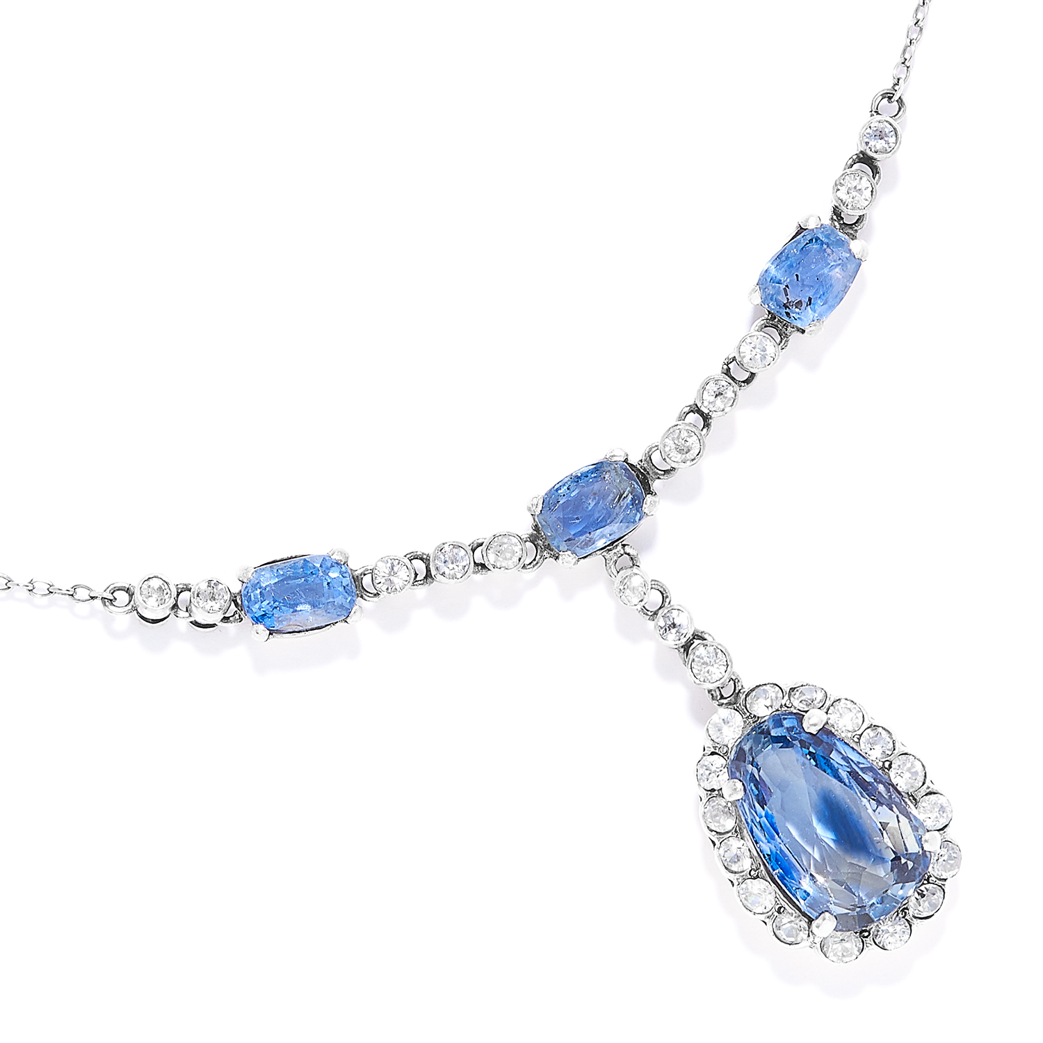 Los 25 - 9.30 CARAT NATURAL BLUE SAPPHIRE AND WHITE SAPPHIRE NECKLACE in white gold or platinum, set with
