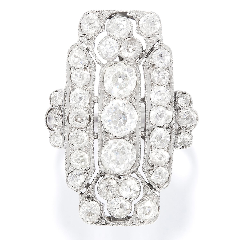 Los 35 - ART DECO DIAMOND DRESS RING in white gold or platinum, in Art Deco design set with old cut diamonds,
