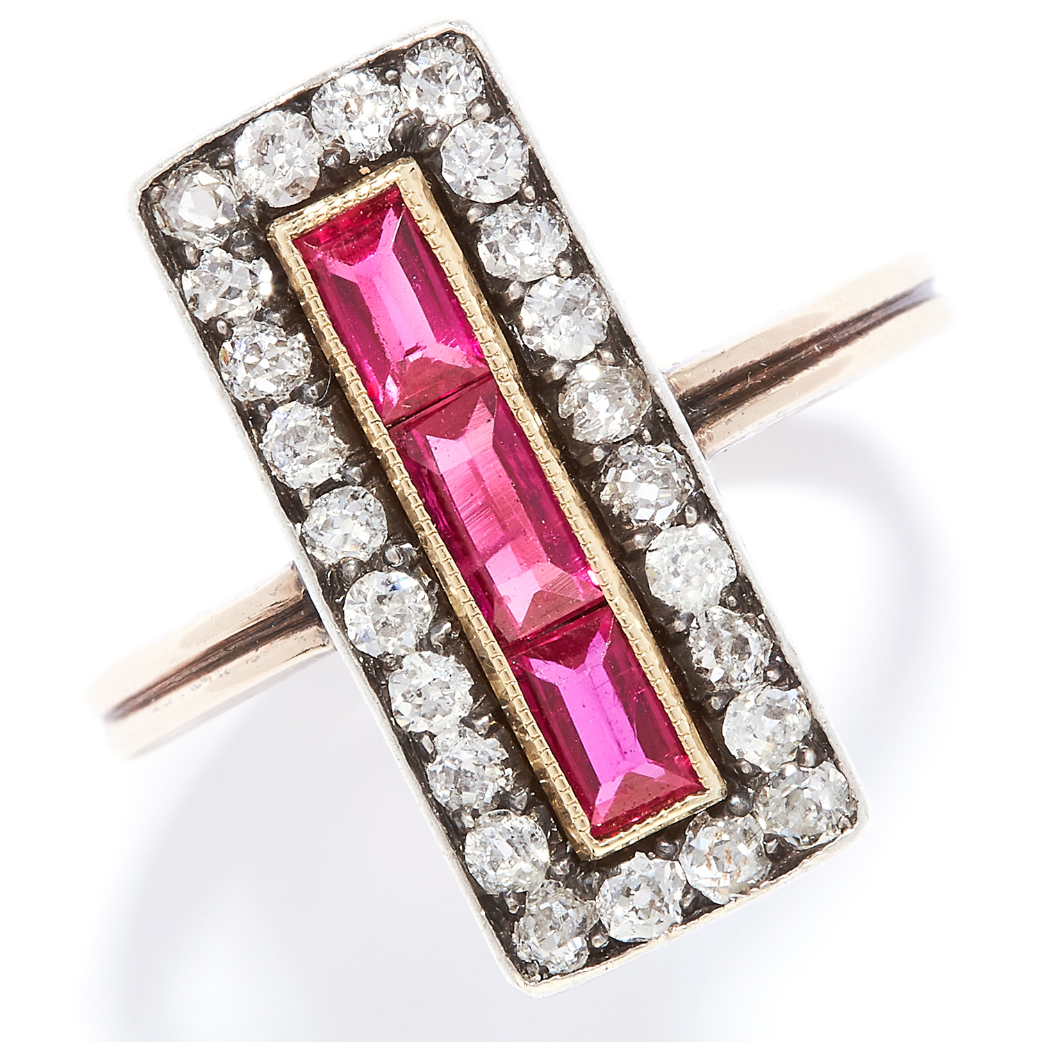 ANTIQUE DIAMOND AND RED STONE DRESS RING in yellow gold, set with a row of baguette cut red