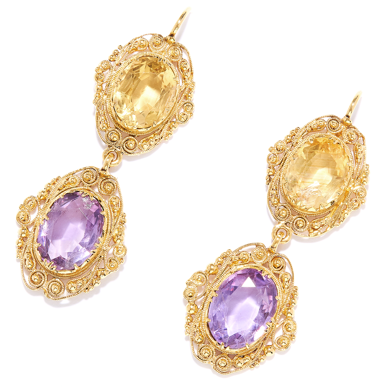 Los 11 - ANTIQUE CITRINE AND AMETHYST EARRINGS in 18ct yellow gold, each set with an oval cut citrine