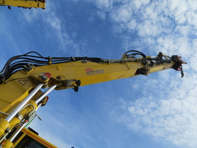 Liebherr A900C ZW road / rail excavator s/n 364 (2013) running hours approx 2,500. On-Track Plant - Image 4 of 12