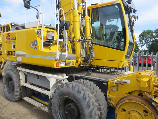 Liebherr A900C ZW road / rail excavator s/n 364 (2013) running hours approx 2,500. On-Track Plant