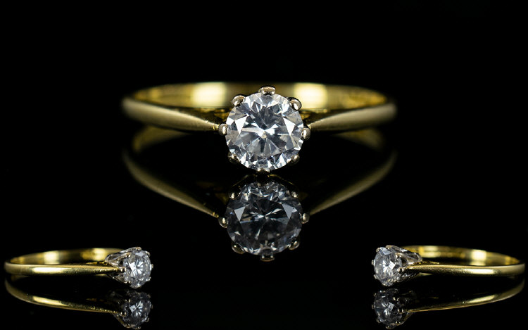 Lot 96 - 18ct Gold Single Stone Diamond Ring. Ful