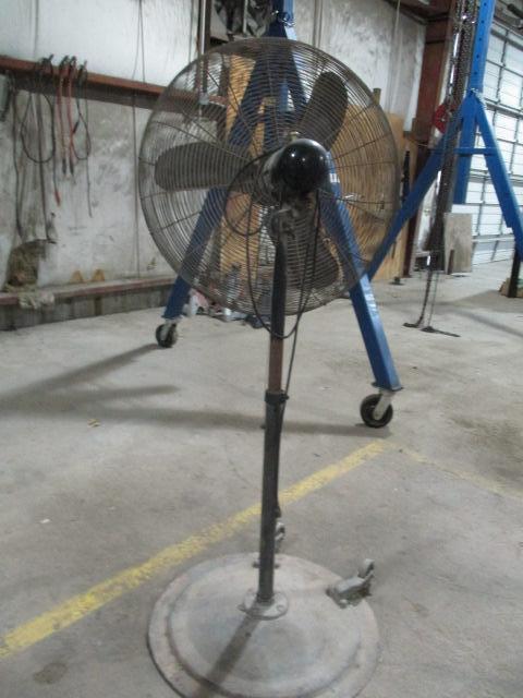 Pedestal Fan - Image 2 of 2