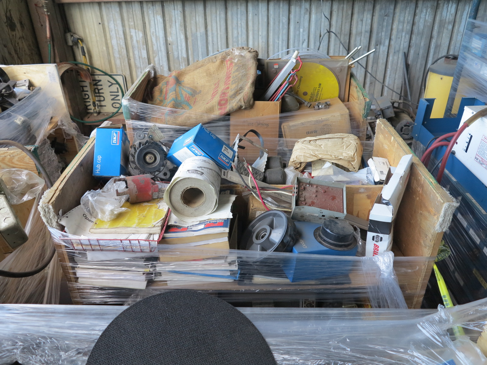 LOT - (6) CARTS TO CONTAIN: JACKHAMMER BITS, AUTOMOTIVE AND RELATED ITEMS - Image 3 of 5