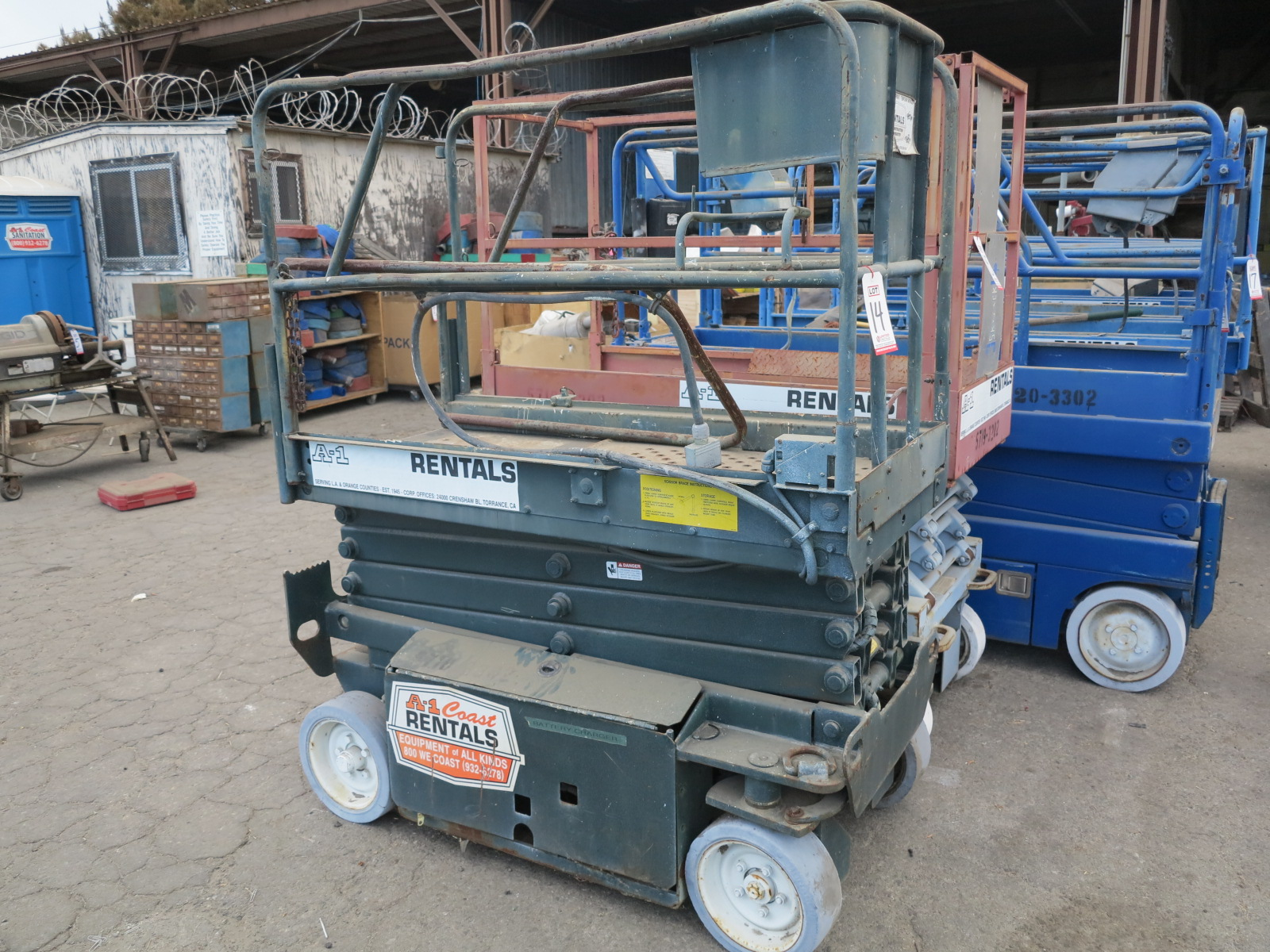 "Lot 14 - SCISSOR LIFT, 26"" X 64"" PLATFORM (OUT OF SERVICE)"