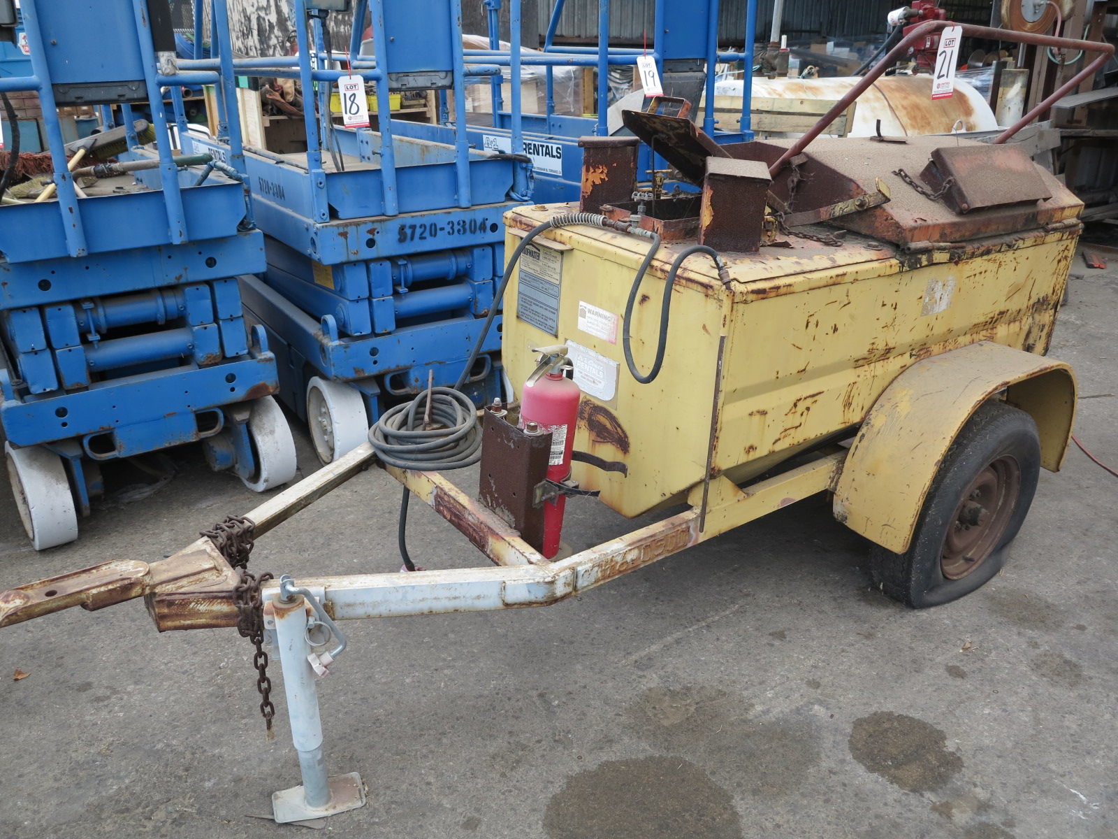Lot 21 - ROOFMASTER TAR KETTLE, 140 GALLON CAPACITY, TRAILER MOUNTED