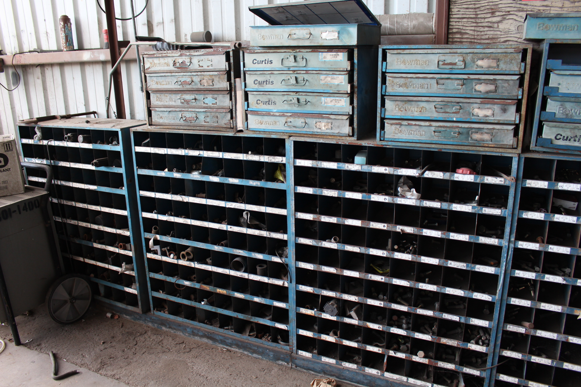 Lot 40 - LOT - (7) PARTS BINS AND (4) BOWMAN FASTENER DRAWER BOXES