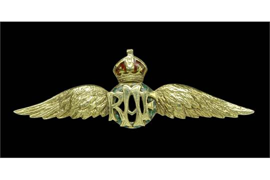 A 9ct gold RAF wings sweetheart brooch, the letters 'RAF' on