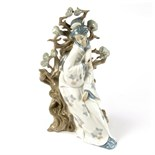 A large Lladro porcelain figurine of a Japanese lady.