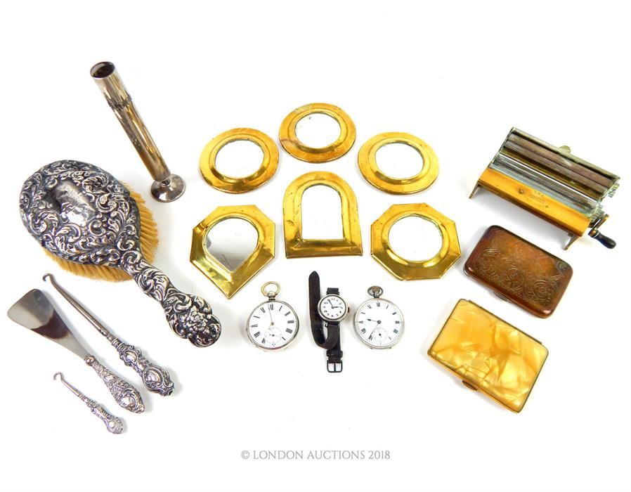 Lot 40 - A quantity of brass and metal items