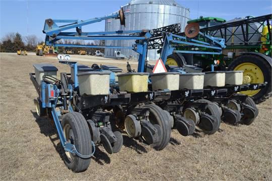Kinze 2200 Planter Triple Fold 12 Row 30 226 Corn Meters