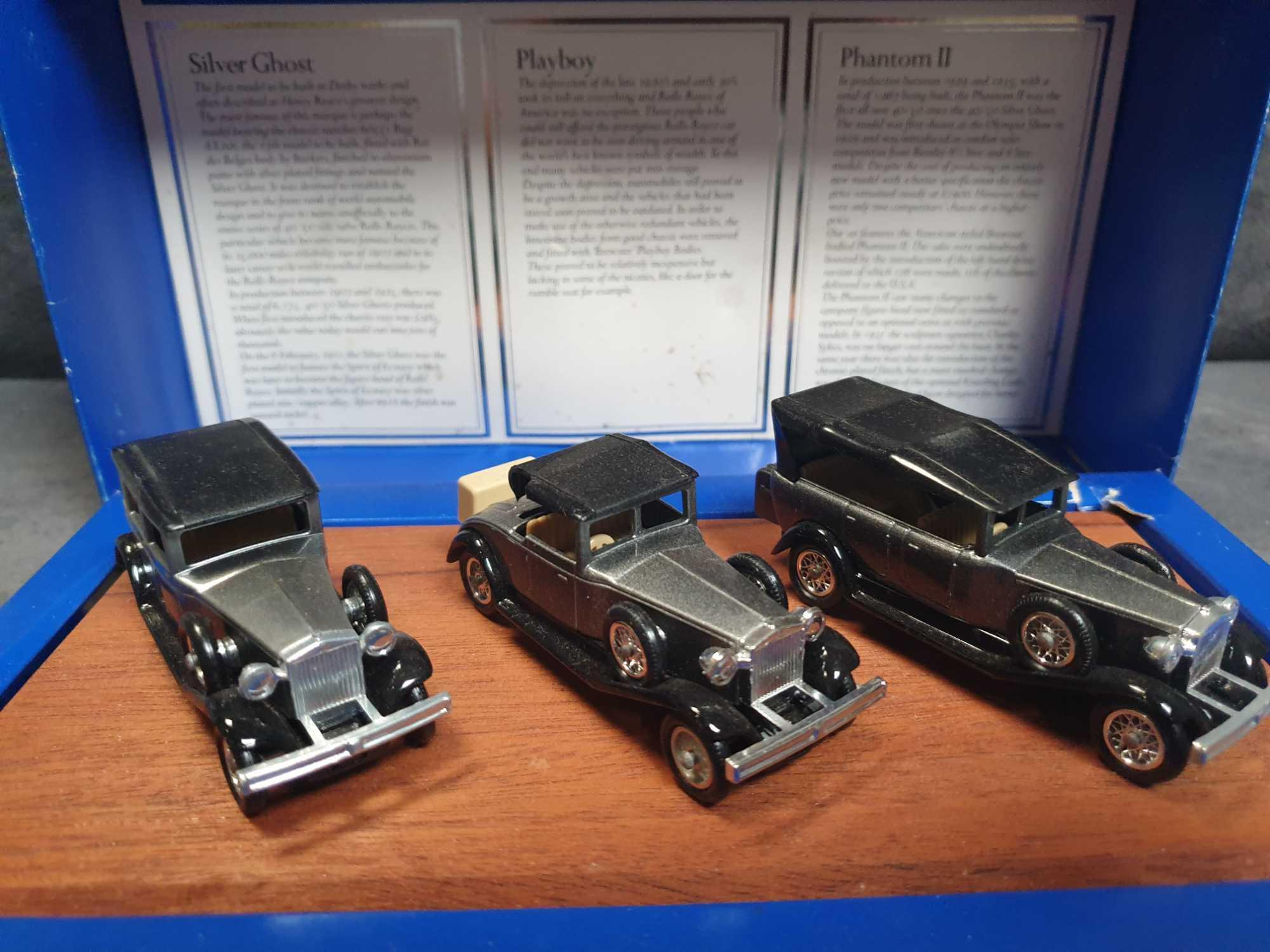 Lledo Vintage Rolls Royce Collection 3 Cars On Wooden Display Plinth Mint Model