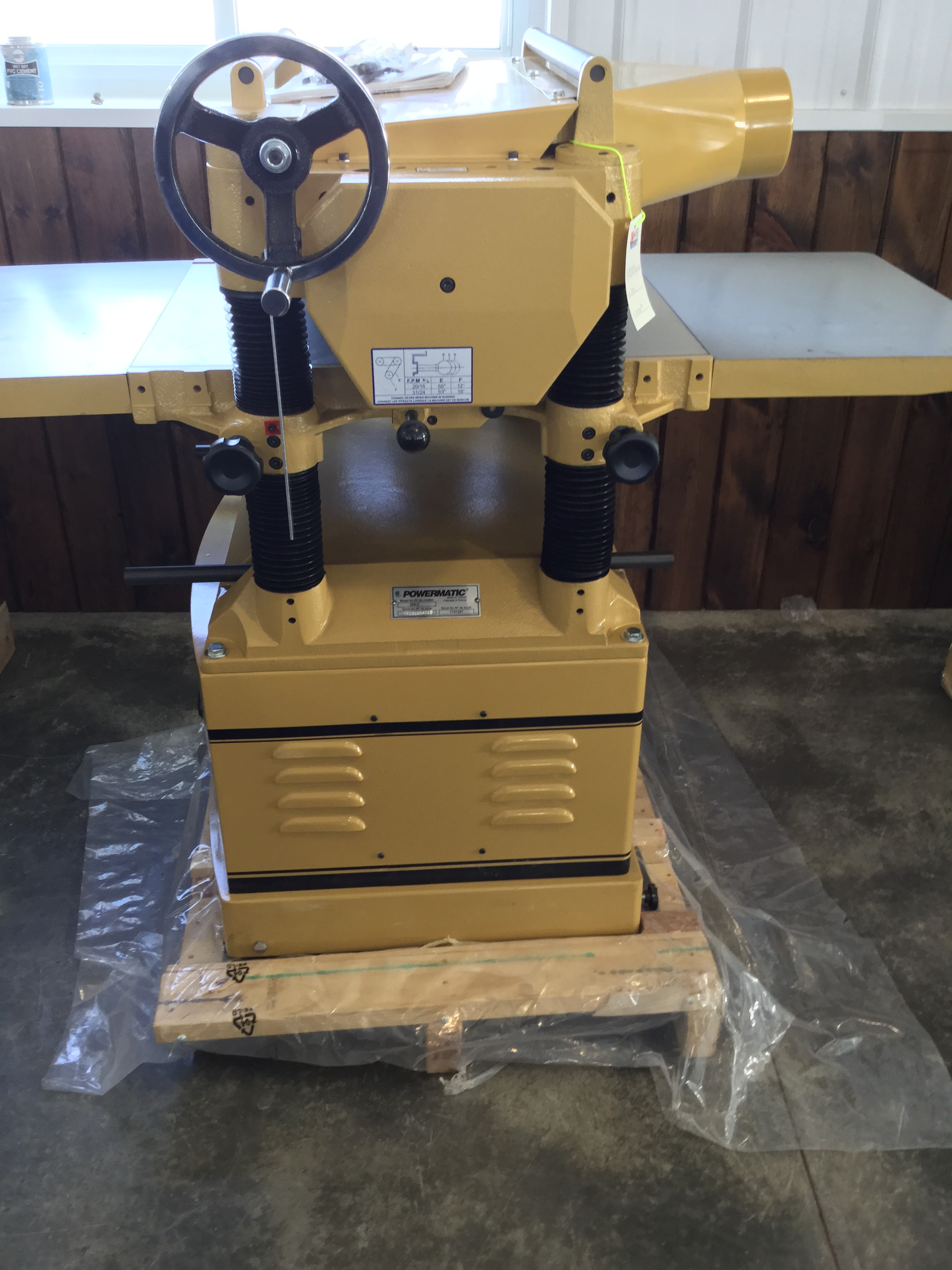 Lot 18 - NEW- POWERMATIC 20'' PLANER (STRAIGHT KNIFE) 230V (SHOW ROOM MODEL)